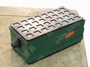 方型减震垫铁