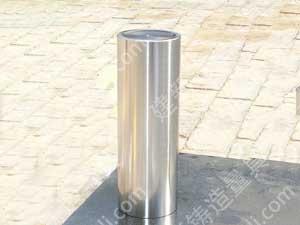圆柱角尺,主要用于工作直角的检验和划线,检验零件或部件有关表面的相互垂直度,可作为90°测量基准。,